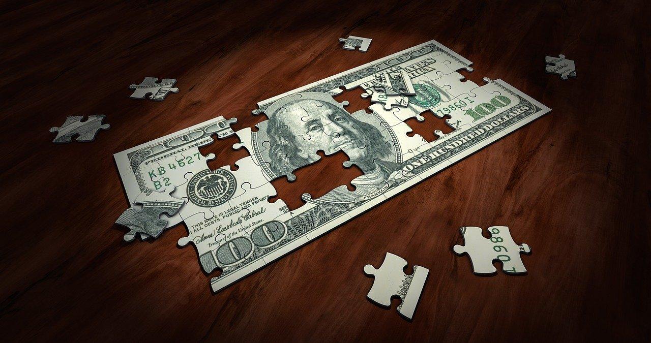 Jak uniknąć wypowiedzenia umowy kredytu?
